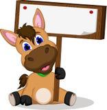 Śliczny kreskówka koń z puste miejsce znakiem ilustracja wektor
