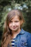 Śliczny małej dziewczynki lata portret Fotografia Royalty Free