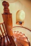 Ślimakowaci drewniani schodki zdjęcie stock