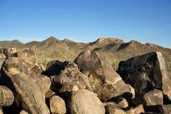 Ślimakowaty petroglifu krajobraz w pustyni fotografia stock