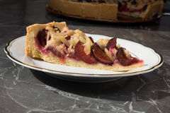 Śliwka torta kawałek Zdjęcie Royalty Free