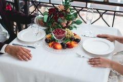 Śliwki brzoskwini truskawki malinowi winogrona zdjęcie stock