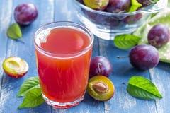 Śliwkowy sok zdjęcie royalty free