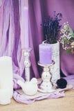 Ślubna dekoracja z płótnem i świeczkami Zdjęcia Royalty Free