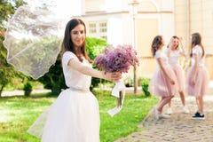 Ślubna przesłona ifluttering w wiatrze zdjęcia royalty free