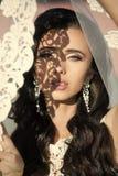 Ślubna przesłona na pannie młodej Piękno moda i salon obraz royalty free
