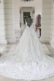 Ślubna suknia na mannequin robić w stawia panny młodej Zdjęcie Stock