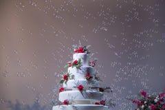 Ślubnego torta dekoracja z bąblem w ślubnej ceremonii Fotografia Stock