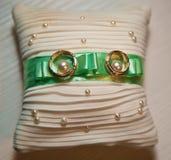Ślubni dekoracja pierścionki obraz royalty free
