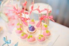 Ślubni deseru torta wystrzały Zdjęcia Royalty Free