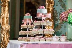 Ślubni filiżanka torty Obrazy Stock