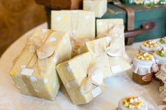 Ślubni prezenty dla gościa zdjęcia royalty free