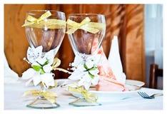 Ślubni szkła dekorujący Zdjęcie Royalty Free