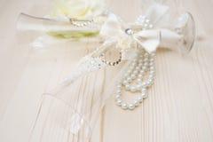 Ślubni szkła z perłami Fotografia Stock