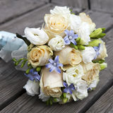 Ślubny bukiet żółte i biały róże Zdjęcia Royalty Free