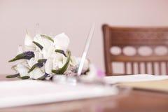 Ślubny bukiet biali kwiaty Obrazy Stock