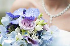 Ślubny bukiet i panna młoda Zdjęcia Royalty Free