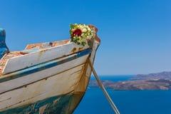 Ślubny bukiet na starej łodzi Fotografia Royalty Free