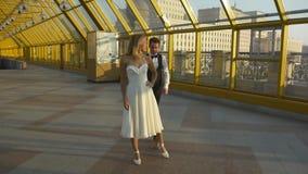 Ślubny taniec miłość i pasja pełno zdjęcie wideo