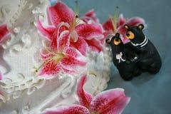 Ślubny tort z dwa niedźwiedziami Fotografia Stock