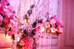Ślubny wystroju stołu położenie i kwiaty Obrazy Stock