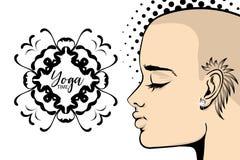 Śmiała tatuaż kobiety joga sztandaru wystrzału sztuka royalty ilustracja