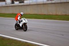 Śmiałka motocyklu jeździec zdjęcia stock