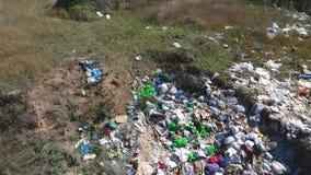 Śmieci na jamie Strzelający trutniem zdjęcie wideo