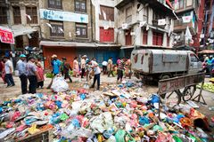 Śmieci w mieście Obrazy Royalty Free