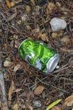 Śmieci w polu fotografia stock