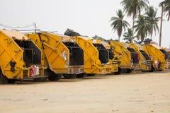 Śmieciarska ciężarówka - Akcyjny wizerunek Fotografia Stock