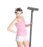 Śmieszna dziewczyna z włosianymi curlers na ona kierownicza zdjęcie royalty free