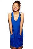 Śmieszna elegancka wzorcowa dziewczyna w przypadkowym nowożytnym modnisia płótnie Zdjęcia Stock