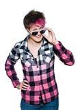 Śmieszna kobieta z różowymi okularami przeciwsłonecznymi obrazy stock
