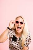 Śmiesznego kobieta portreta menchii tła wysokiej definici istni ludzie Zdjęcie Stock