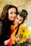 Śmieszna mała dziewczynka i matka Obraz Royalty Free