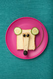 Śmieszna mysz robić chleb i ser obrazy stock