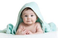 Śmieszna szczęśliwa chłopiec w ręczniku Zdjęcie Royalty Free