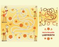 Śmieszne żyrafy Pomaga małe żyrafy Obrazy Royalty Free