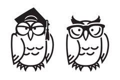 Śmieszne sowy, ręka rysująca ilustracja ilustracji