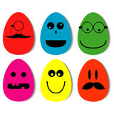 Śmieszni Easter jajka z opuszczającym cieniem Zdjęcie Stock