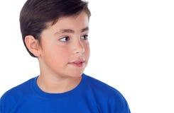Śmieszny dziecko z dziesięć lat i błękitną koszulką Obraz Stock