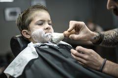 Śmieszny golenie chłopiec Zdjęcia Stock