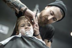 Śmieszny golenie chłopiec Obrazy Stock