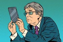 Śmieszny mężczyzna bierze obrazki z smartphone ilustracja wektor