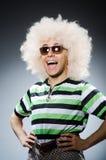 Śmieszny mężczyzna z afro fryzurą odizolowywającą na Zdjęcia Stock