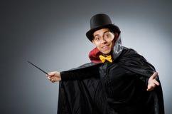 Śmieszny magika mężczyzna z różdżką Fotografia Royalty Free