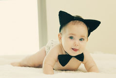 Śmieszny 6 miesięcy stary dziecko Zdjęcia Royalty Free