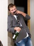 Śmieszny pijący facet Obrazy Stock