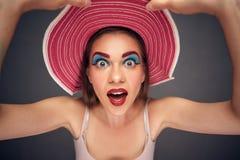Śmieszny twarzy zakończenie w górę portreta kobieta Fotografia Royalty Free